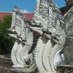 Wat Chedi Luang, chedi principal, naga gardiens
