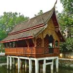 Wat Chiang Man, ho trai (bibliothèque) sur l'eau