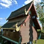 Wat Puttha En, ubosot sur pilotis
