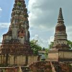 Lopburi (Lavo), prang de style khmer et prang de style siamois