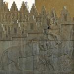 Apadana, escaliers Est, lion terrassant un taureau