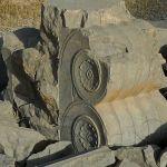 Salle aux cent colonnes, ruines disséminées, décoration/1