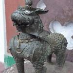 Lion gardien à l'entrée du temple