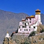 Monastère isolé Yumbu Lhakang au Tibet