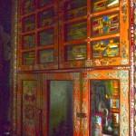 Intérieur du temple : armoire des manuscrits