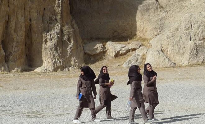shiraz naqsh-e rostam groupe de lycéennes 20.10.13