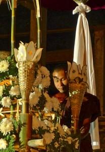 Un moine bénit le coton, détail