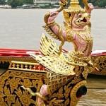 Barge Krut Tred Trai Chak, avec son Garuda rose