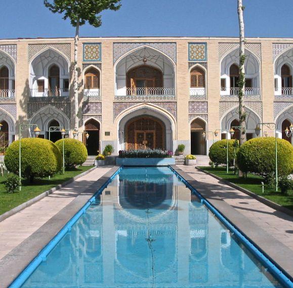 esfahan hôtel abbasi jardin avec pièce d'eau