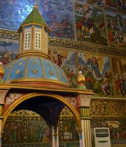 Kelisa-ye vank, intérieur de l'église, chapelle et fresques