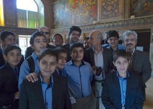 Classe de lycéens en visite avec leurs professeurs