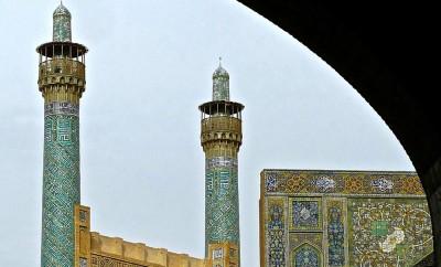 Les minarets de l'arrière de la mosquée