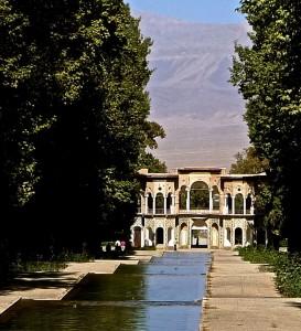 Mahan/province de Kerman, Bagh-e Shahzade, canal central et pavillon d'entrée