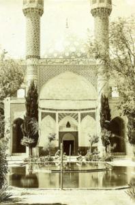 Entrée de la mosquée, photo ancienne