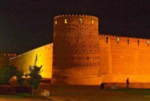 Mur et donjon Sud-Est la nuit