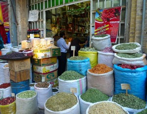 Shiraz, Bazar-e Vakil, marchand d'épices