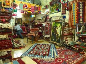 Shiraz, Bazar-e Vakil, marchand de tapis