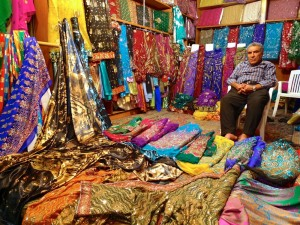 Shiraz, Bazar-e Vakil, marchand de tissus