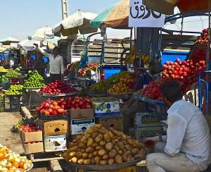 Naqsh-e Rajab/Shiraz, vendeurs de fruits
