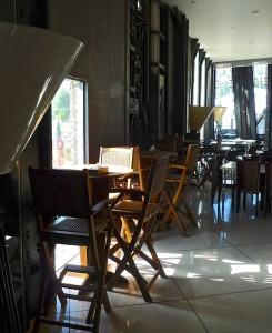 L'un des cafés du complexe