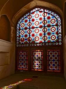Bâtiment octogonal, intérieur, baie vitrée