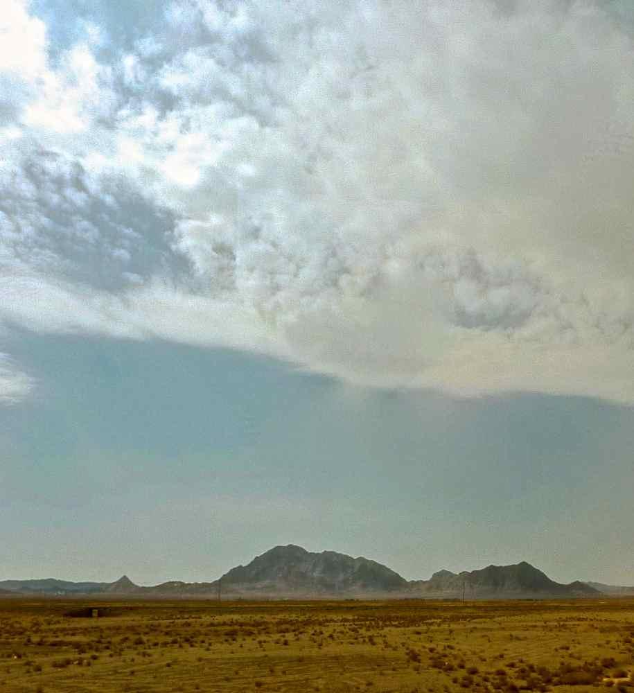 yazd-esfahan désert montagnes:3 2 26.10.13
