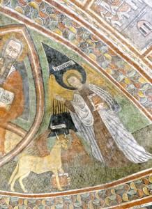 Les symboles des Evangélistes Luc (taureau ailé) et Matthieu (ange)