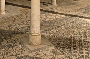 Crypte et son sol en mosaïque