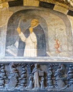 Saint Dominique qui invite au silence et à la discipline