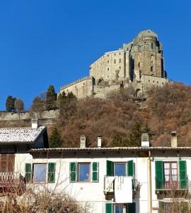 L'Abbaye est située au-dessus du village de San Pietro
