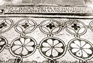 Crypte, inscription dans la pierre : Otbert, fondateur